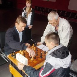 В Углегорске прошел блиц-турнир по шахматам, посвященный Дню России