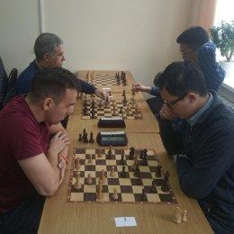 Константин Сек стал победителем праздничного блиц-турнира