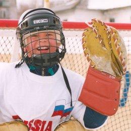 Страницы истории: первый финал хоккейного турнира «Спорт против подворотни»