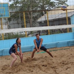 В чемпионат островного региона по пляжному волейболу уже заявились 14 команд