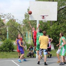 Открытая площадка, солнце и легкий ветерок – лучшие друзья стритболистов