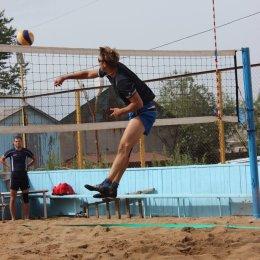 Участникам областного чемпионата по пляжному волейболу осталось сыграть один тур
