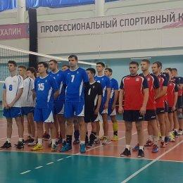 Сборная Корсакова завоевала золотые медали мужского чемпионата области