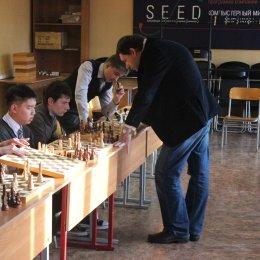 Алексей Романов добился 100-процентного результата в сеансе одновременной игры