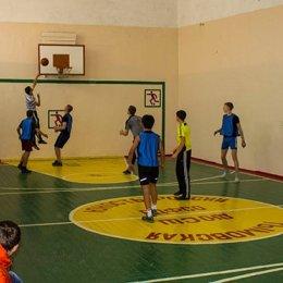Дюжина команд вышла на старт муниципального этапа чемпионата Школьной баскетбольной лиги «КЭС-баскет» в Тымовском городском округе