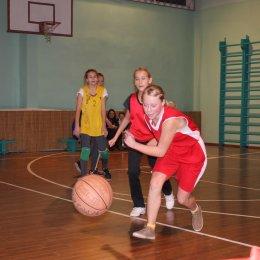 Команды первой и второй школ Поронайска победили в муниципальном этапа чемпионата ШБЛ «КЭС-баскет»