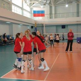 Юные островные волейболисты принимают участие в зональном турнире первенства России