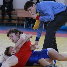 Островные спортсменки выступят на первенстве России по борьбе