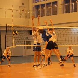 В первый игровой день первенства области по волейболу не обошлось без сенсаций