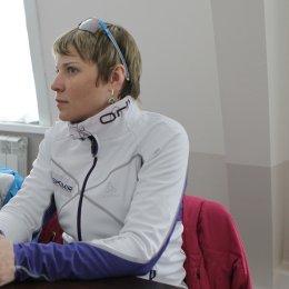 Двукратная олимпийская чемпионка отметила темпы развития биатлона в островном регионе
