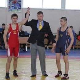 Островные борцы греко-римского стиля завоевали 19 медалей первенства ДФО