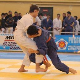 Сахалинские дзюдоисты завоевали шесть медалей на представительном турнире в Магадане