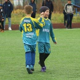 Юные футболисты провели серию матчей в Троицком