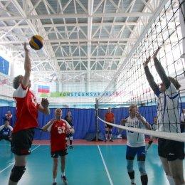 Волейболисты из Долинска второй год подряд выиграли турнир в честь 23 февраля