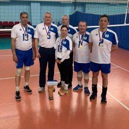 Волейболисты из Долинска стали победителями ветеранского турнира в честь 23 февраля