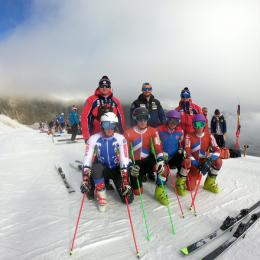 Сахалинские горнолыжники тестируют инвентарь в Швейцарии
