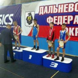 Сахалинские борцы греко-римского стиля завоевали дюжину медалей первенства ДФО