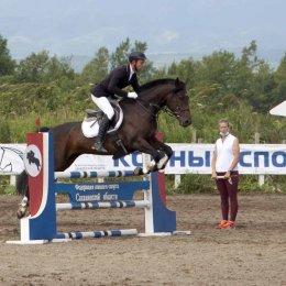 В Южно-Сахалинске выявили лучших в соревнованиях по конкуру