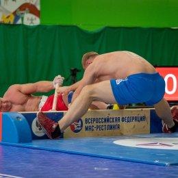 Островитяне выступили на чемпионате России по мас-рестлингу