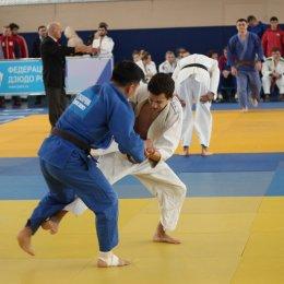 Сахалинские дзюдоисты завоевали дюжину медалей первенства ДФО среди юниоров