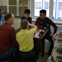 Семейный шахматный турнир состоялся в гимназии № 1