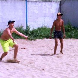 Островные волейболисты готовятся к сезону в Находке