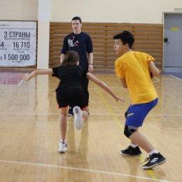 В Южно-Сахалинске прошел рождественский турнир по баскетболу
