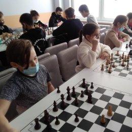 Сахалинцы сыграли в парные и шведские шахматы