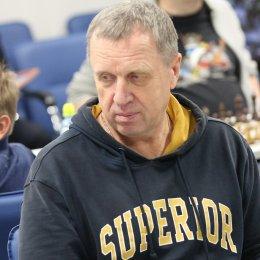 Сергей Габрусев из Корсакова стал победителем первенства островного региона по шахматам среди ветеранов