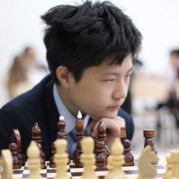 Шахматный матч между юношеской сборной области и командой педагогов посвятили Дню учителя