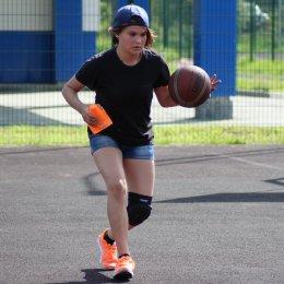 В летнем проекте «Сахалинской федерации баскетбола» приняли участие свыше 50 юных горожан