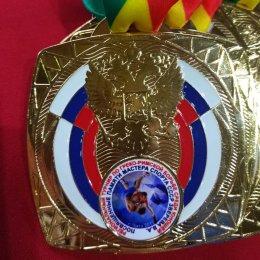 Сахалинские борцы завоевали медали всех достоинств на турнире в Чите