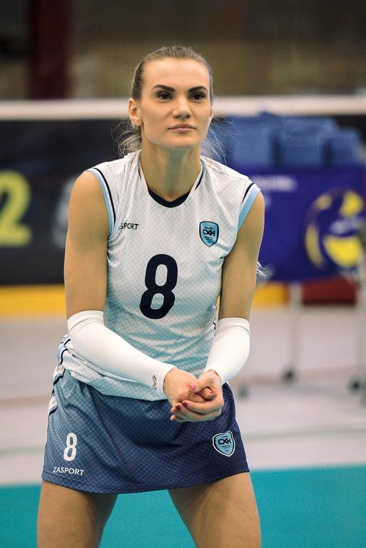Маргарита Панычева (№ 8): «Я хотела играть с мужем под одним и тем же номером. А он выступает за «Енисей» из Красноярска в мужской Суперлиге под № 8».